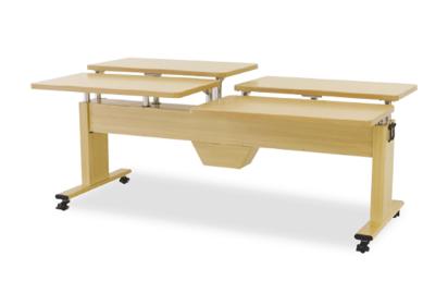 木製テーブル イメージ